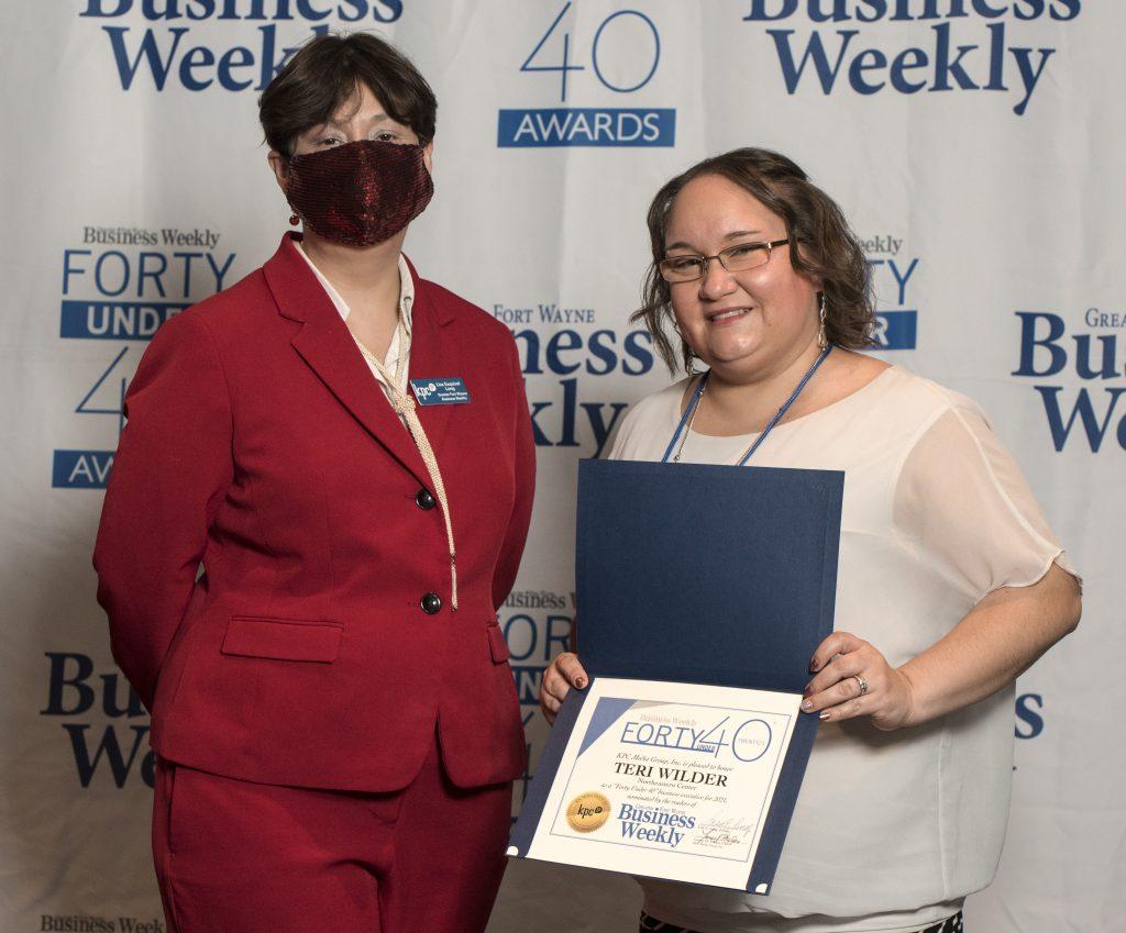 Teri Wilder accepts her award.